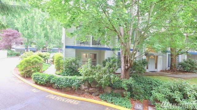 8653 Avondale Rd NE D 107, Redmond, WA 98052 (#1331176) :: Keller Williams - Shook Home Group