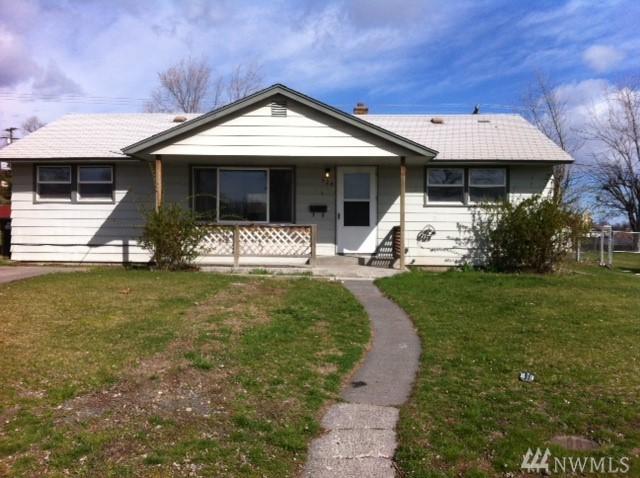 524 W Loop Dr, Moses Lake, WA 98837 (#1334629) :: Beach & Blvd Real Estate Group
