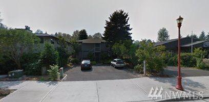 745 Rainier Blvd N, Issaquah, WA 98027 (#1343191) :: The Vija Group - Keller Williams Realty