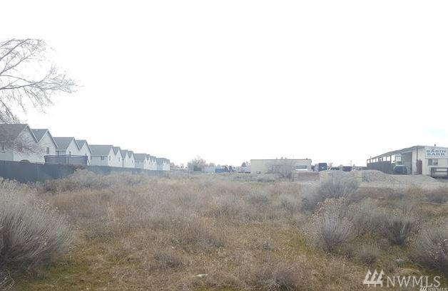616 S Locust Lane, Moses Lake, WA 98837 (#1344210) :: Keller Williams - Shook Home Group