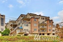 2040 13th Ave W #33, Seattle, WA 98119 (#1345211) :: The DiBello Real Estate Group