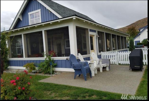 107 Shenanigan Lane, Oroville, WA 98844 (#1345358) :: Keller Williams - Shook Home Group