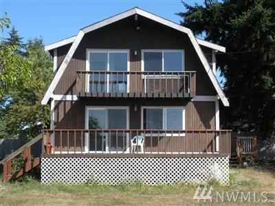 30 E Grape Dr, Grapeview, WA 98546 (#1346417) :: Homes on the Sound