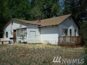 1704 S Mission, Wenatchee, WA 98801 (#1347314) :: Keller Williams - Shook Home Group