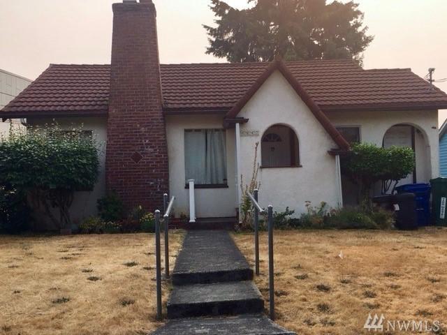 6842 36th Ave NE, Seattle, WA 98115 (#1347824) :: The DiBello Real Estate Group