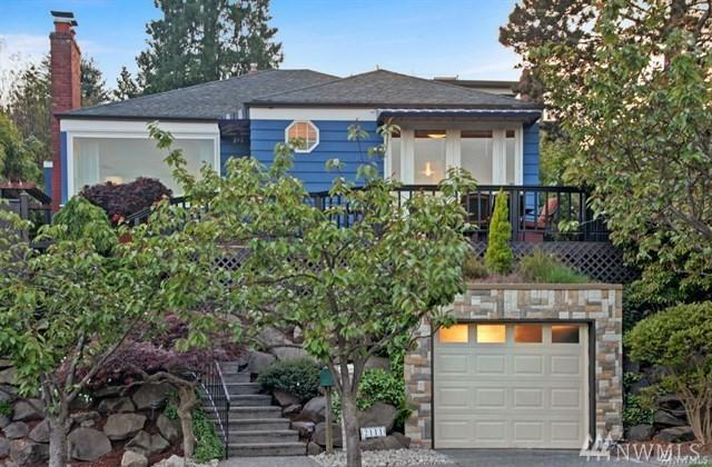 2111 26th Ave W, Seattle, WA 98199 (#1348089) :: Keller Williams - Shook Home Group