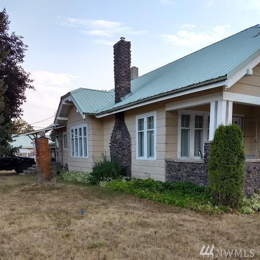 403 W Main Ave, Chewelah, WA 99109 (#1350277) :: Homes on the Sound
