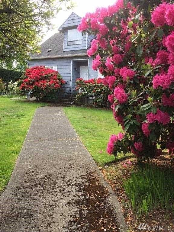 206 Mukilteo Blvd, Everett, WA 98203 (#1350748) :: Real Estate Solutions Group