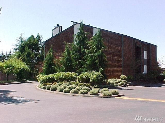 7315 N Skyview Lane L-101, Tacoma, WA 98406 (#1354386) :: The Robert Ott Group