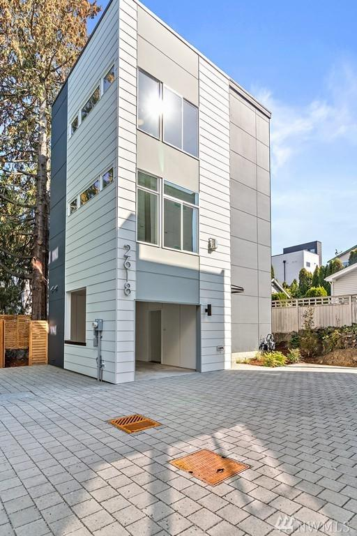 2618 SW Nevada St, Seattle, WA 98126 (#1358931) :: Real Estate Solutions Group
