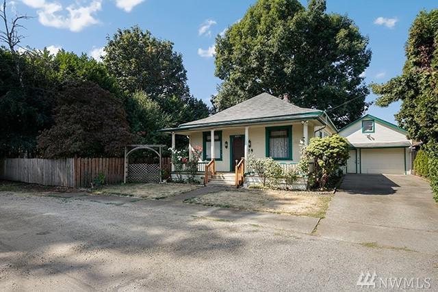 405 D St SE, Auburn, WA 98002 (#1359032) :: Real Estate Solutions Group