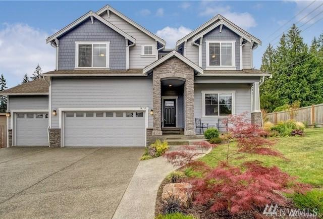 14719 Cascadian Wy, Lynnwood, WA 98087 (#1360495) :: Keller Williams - Shook Home Group