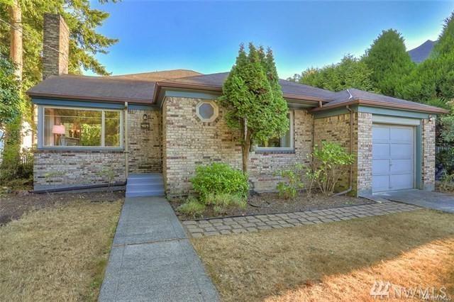 407 N 122nd St, Seattle, WA 98133 (#1362725) :: Homes on the Sound
