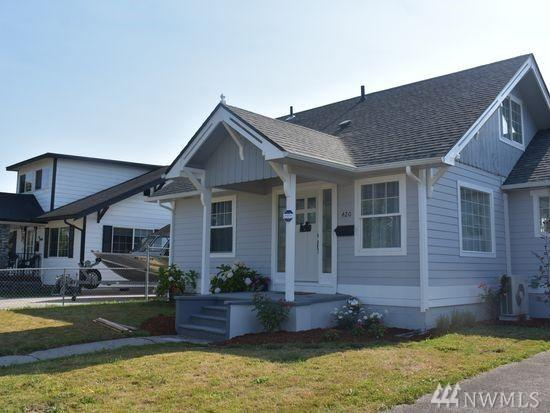 420 22nd Ave, Longview, WA 98632 (#1364953) :: Homes on the Sound