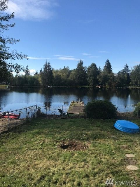 1413 150th Place NW, Marysville, WA 98271 (#1365755) :: The Vija Group - Keller Williams Realty