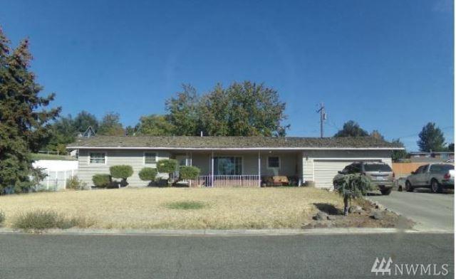 222 Merrick Ave, Sunnyside, WA 98944 (#1370813) :: Real Estate Solutions Group