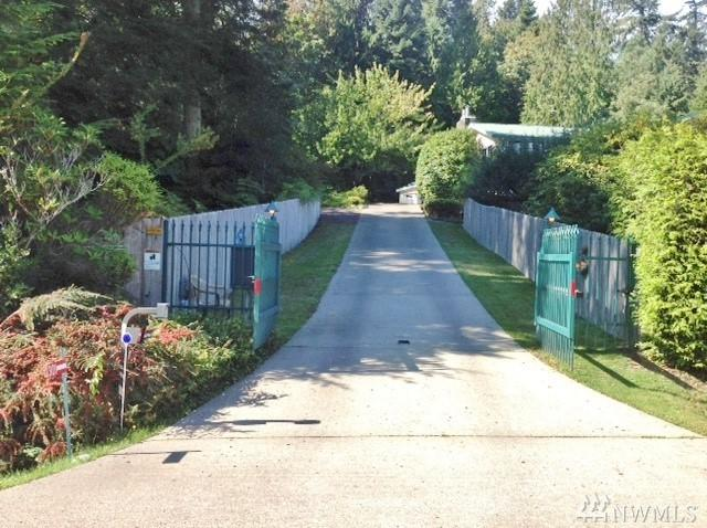 301 Tala Shore Dr, Port Ludlow, WA 98365 (#1372220) :: Real Estate Solutions Group