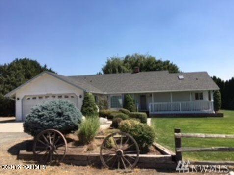 401 Mcgreer Rd, Selah, WA 98942 (#1373214) :: Real Estate Solutions Group