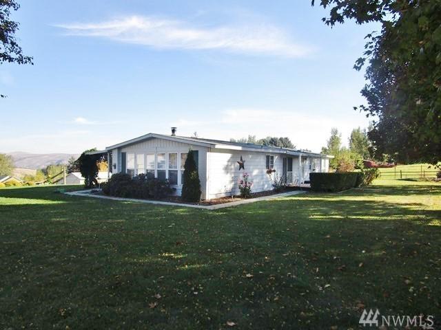 120 Horseshoe Lane, Selah, WA 98942 (#1374353) :: Real Estate Solutions Group