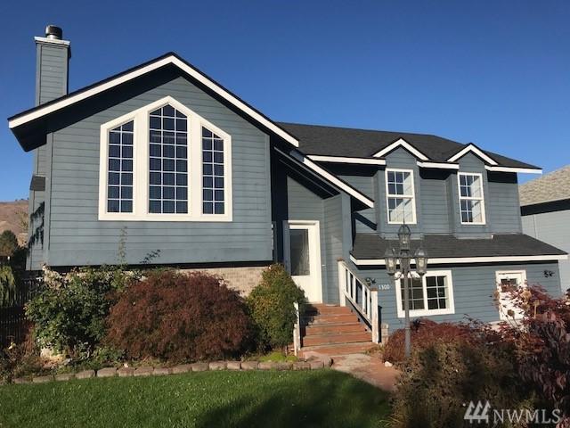 1300 Brown Street, Wenatchee, WA 98801 (#1374455) :: Crutcher Dennis - My Puget Sound Homes