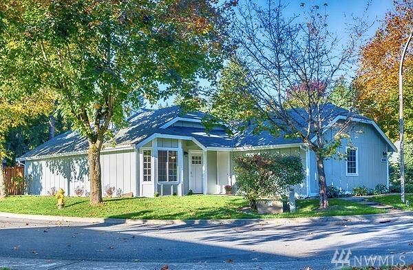 18204 NE 91st St, Redmond, WA 98052 (#1376016) :: Real Estate Solutions Group