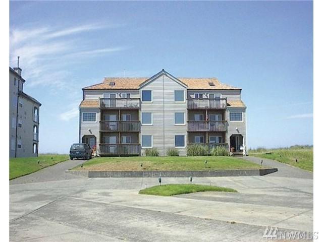 1399 Ocean Shores Blvd SW 2N F, Ocean Shores, WA 98569 (#1377096) :: Ben Kinney Real Estate Team
