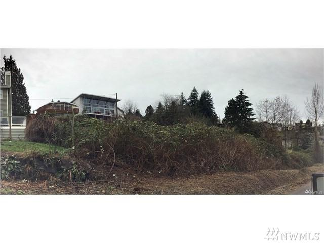 7100 S Rustic Rd, Seattle, WA 98178 (#1383538) :: McAuley Real Estate