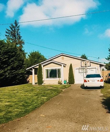 769 135th Street South, Tacoma, WA 98444 (#1384473) :: Chris Cross Real Estate Group