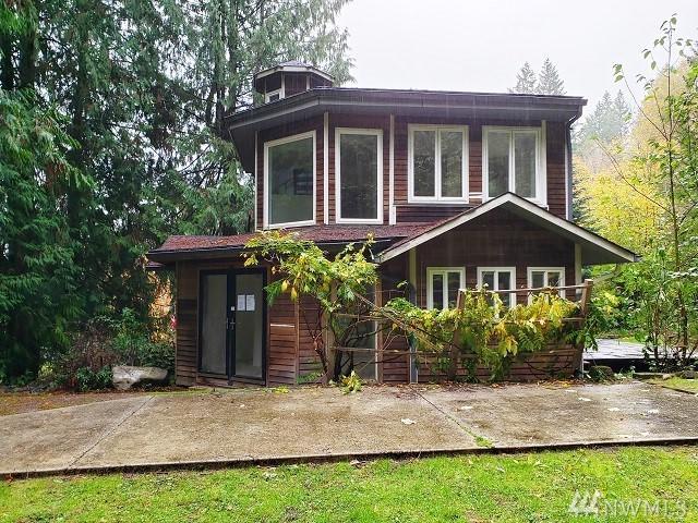 5486 Taylor Ave NE, Bainbridge Island, WA 98110 (#1387472) :: Kimberly Gartland Group