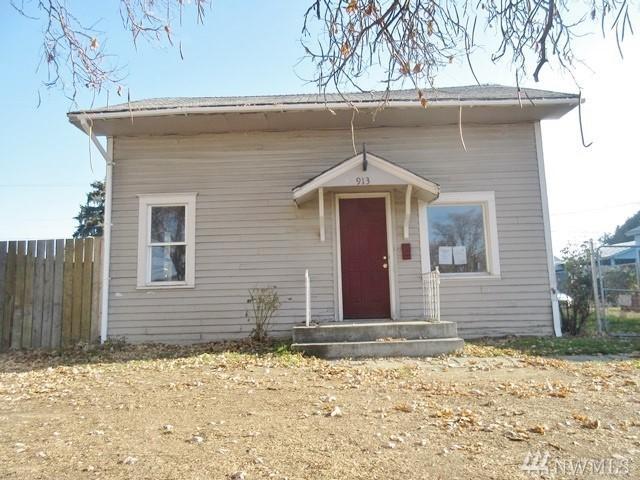 913 S 5th Ave, Yakima, WA 98902 (#1389830) :: Kimberly Gartland Group