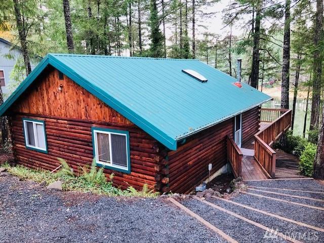 320 E Emerald Lake Dr E, Grapeview, WA 98546 (#1389952) :: Pickett Street Properties
