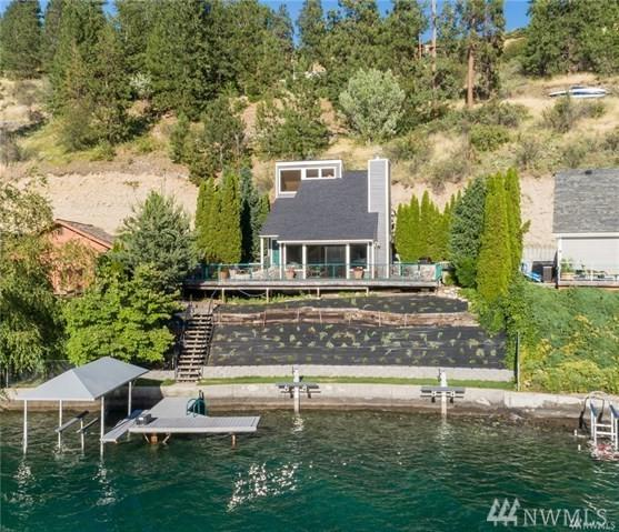 4006 Chelan Blvd, Manson, WA 98831 (#1389965) :: Ben Kinney Real Estate Team