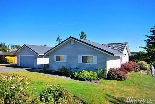 2386 Fairway Lane, Oak Harbor, WA 98277 (#1391706) :: Homes on the Sound