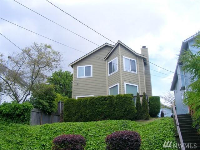 3824 21st Ave SW, Seattle, WA 98106 (#1392552) :: Kimberly Gartland Group