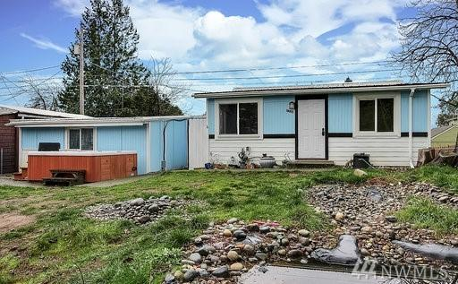 7220 S D St, Tacoma, WA 98408 (#1392951) :: Keller Williams Everett