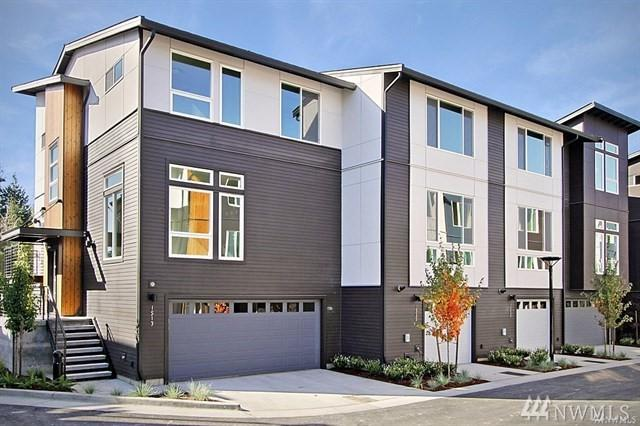 13909 NE 15th Ct, Bellevue, WA 98005 (#1393455) :: Real Estate Solutions Group