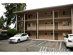 130 105th Ave SE #215, Bellevue, WA 98004 (#1393769) :: Icon Real Estate Group