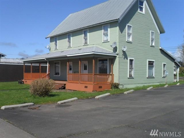 514 W Main St, Elma, WA 98541 (#1394597) :: The Royston Team