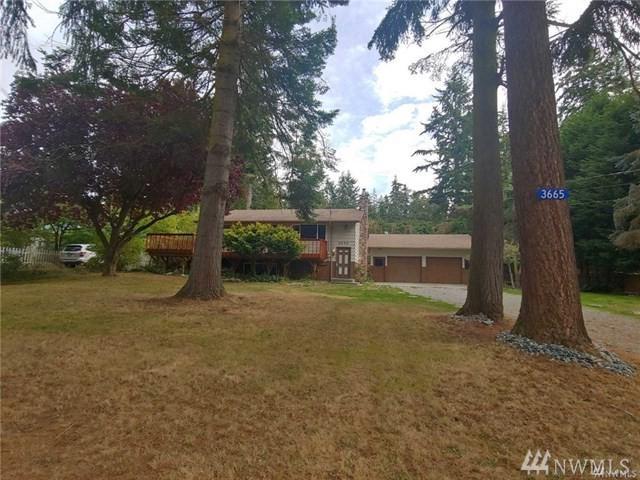 3665 Lagoon View Dr, Greenbank, WA 98253 (#1394910) :: KW North Seattle