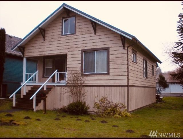 1137 Willapa St, Raymond, WA 98577 (#1397508) :: Homes on the Sound