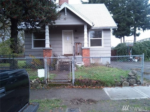 324 NW 2nd Ave, Kelso, WA 98626 (#1397873) :: Pickett Street Properties