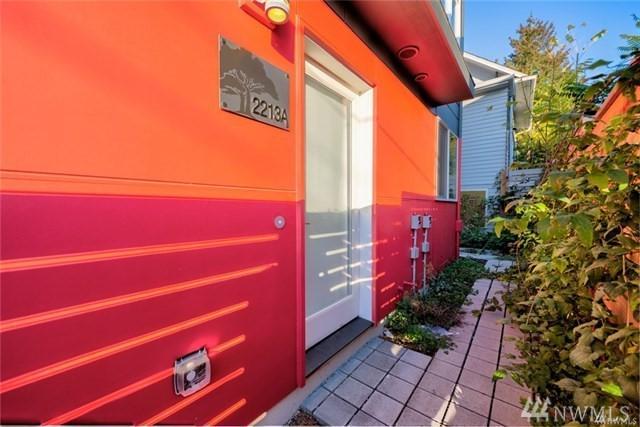 2213 Franklin Ave E A, Seattle, WA 98102 (#1399728) :: HergGroup Seattle