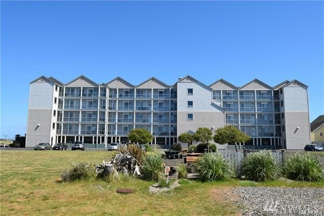 401 Westport View SW #305, Ocean Shores, WA 98569 (#1400341) :: Pickett Street Properties