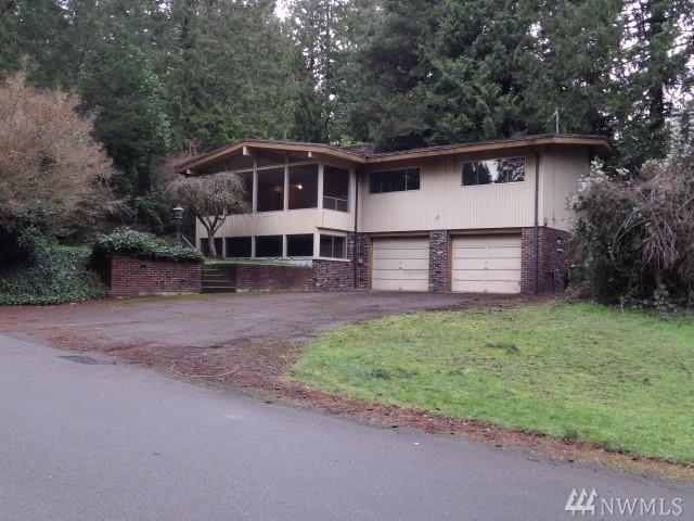3030 NE 181st St, Lake Forest Park, WA 98155 (#1402457) :: Pickett Street Properties