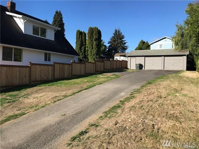 79 10th Ave SW, Seattle, WA 98106 (#1403830) :: The Kendra Todd Group at Keller Williams