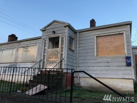 3534 E Portland Ave, Tacoma, WA 98404 (#1406173) :: Ben Kinney Real Estate Team