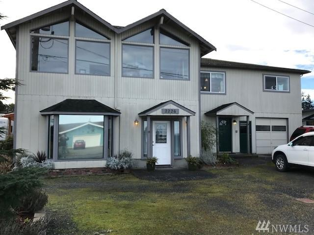 2226 E Third Ave, Port Angeles, WA 98362 (#1409456) :: Homes on the Sound