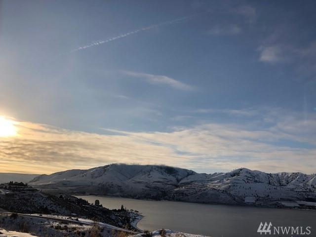 104 Sky Harbor Dr, Chelan, WA 98816 (#1409707) :: Better Homes and Gardens Real Estate McKenzie Group