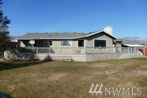 1703 Harris Court, Wenatchee, WA 98801 (#1410464) :: Better Homes and Gardens Real Estate McKenzie Group