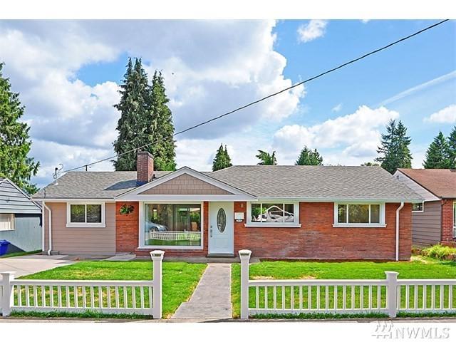 7639 S 112th St, Seattle, WA 98178 (#1411268) :: Pickett Street Properties